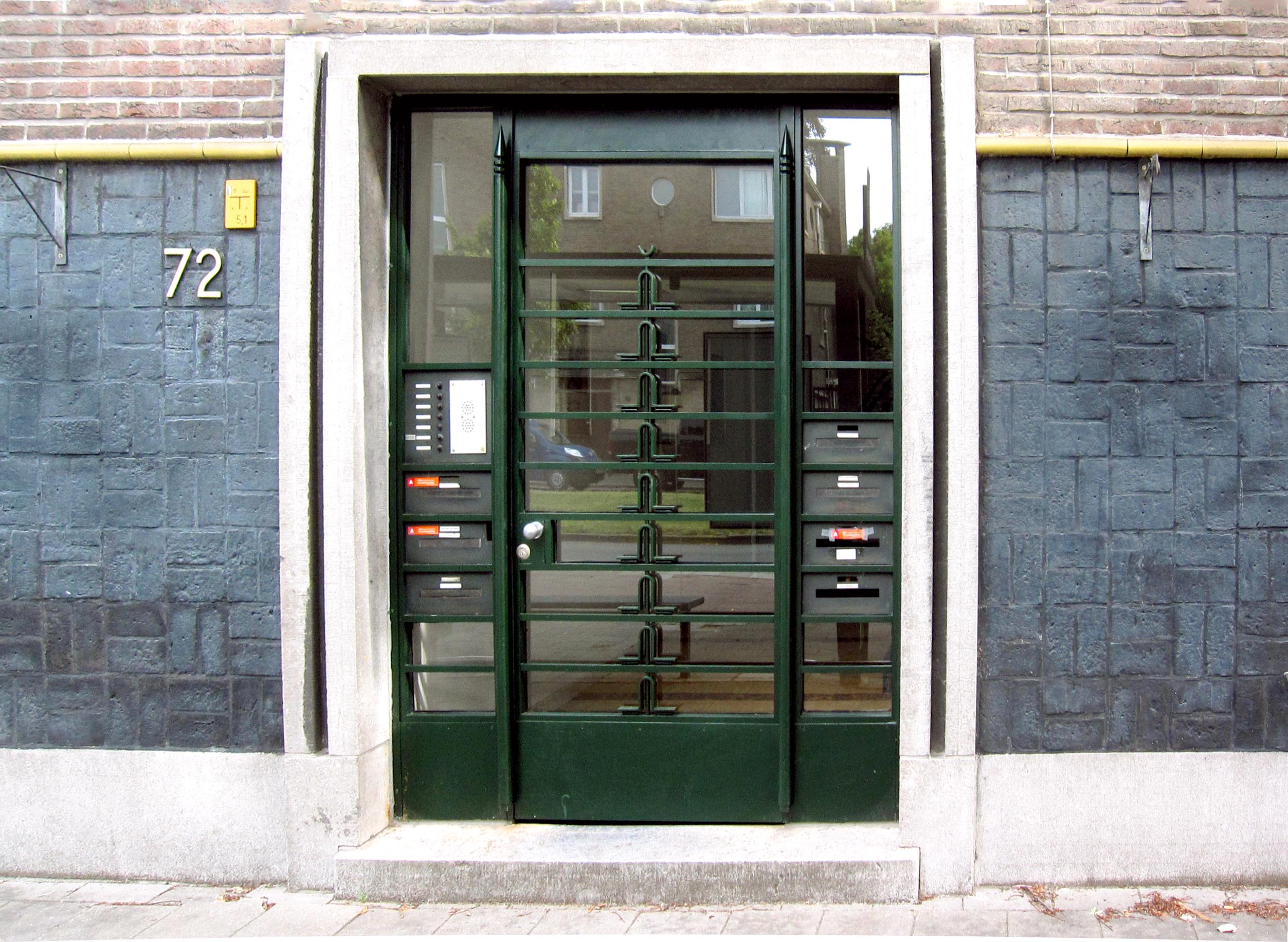 Stalen deur interbellum hersteld