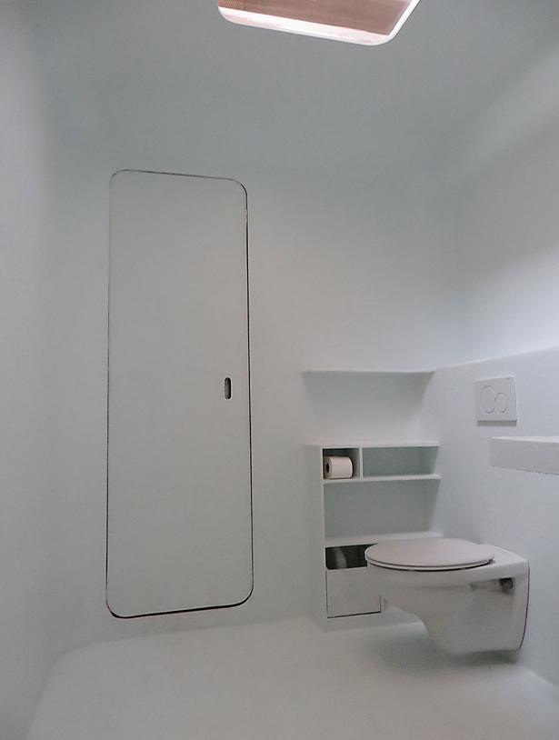 polyester-capsule-sanitair-deur-toilet-atelier-Cadix