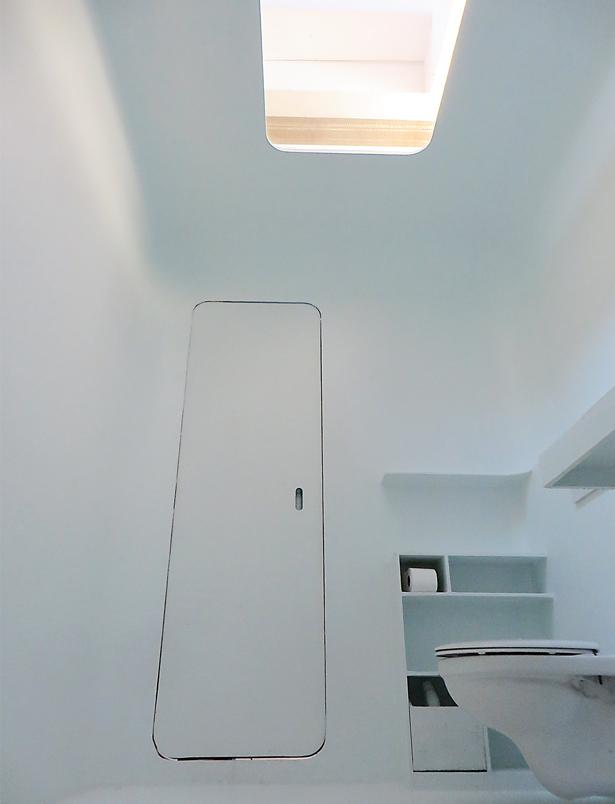 polyester-capsule-sanitair-totaal-douche-vooraanzicht-atelier-Cadix